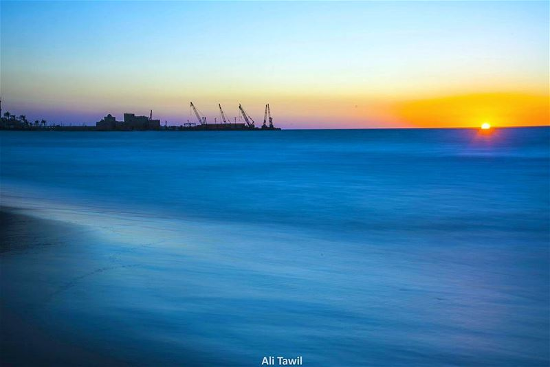 كوني البحرَ والميناءْ🌅 sunset  sea  beautiful  port  sunset_ig  blue ... (Saïda, Al Janub, Lebanon)